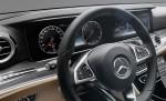 фото салон Mercedes-Benz E-Class 2016-2017 (панель приборов)