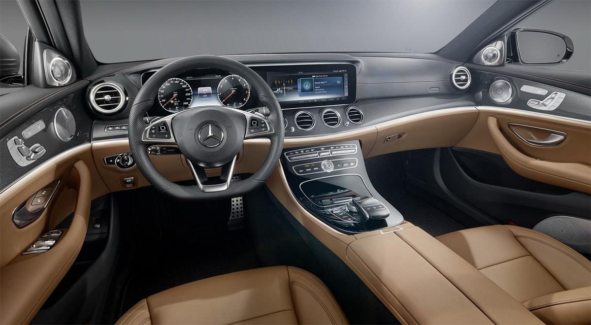 фото интерьер Mercedes-Benz E-Class 2016-2017 года