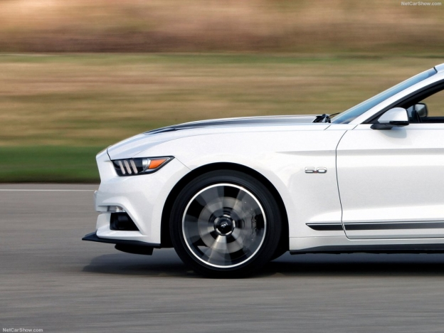 Фото Ford Mustang 2016-2017