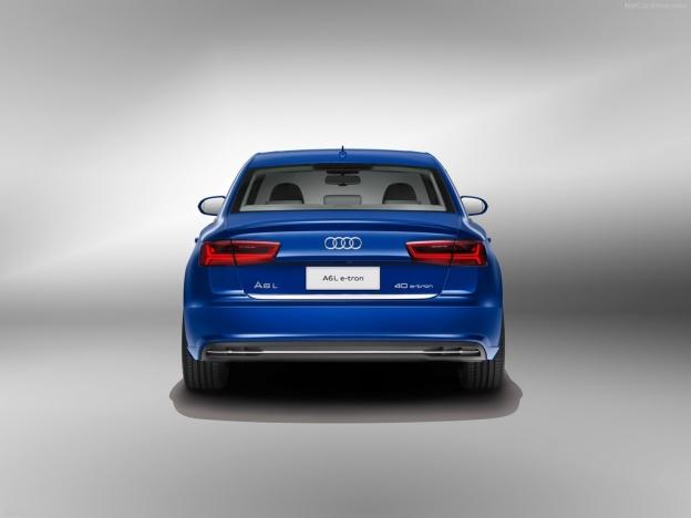 Фото Audi A6 L e-tron 2016-2017 сзади