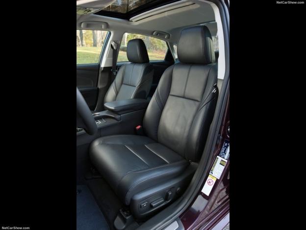 Фото передних сидений Тойота Авалон 2016-2017