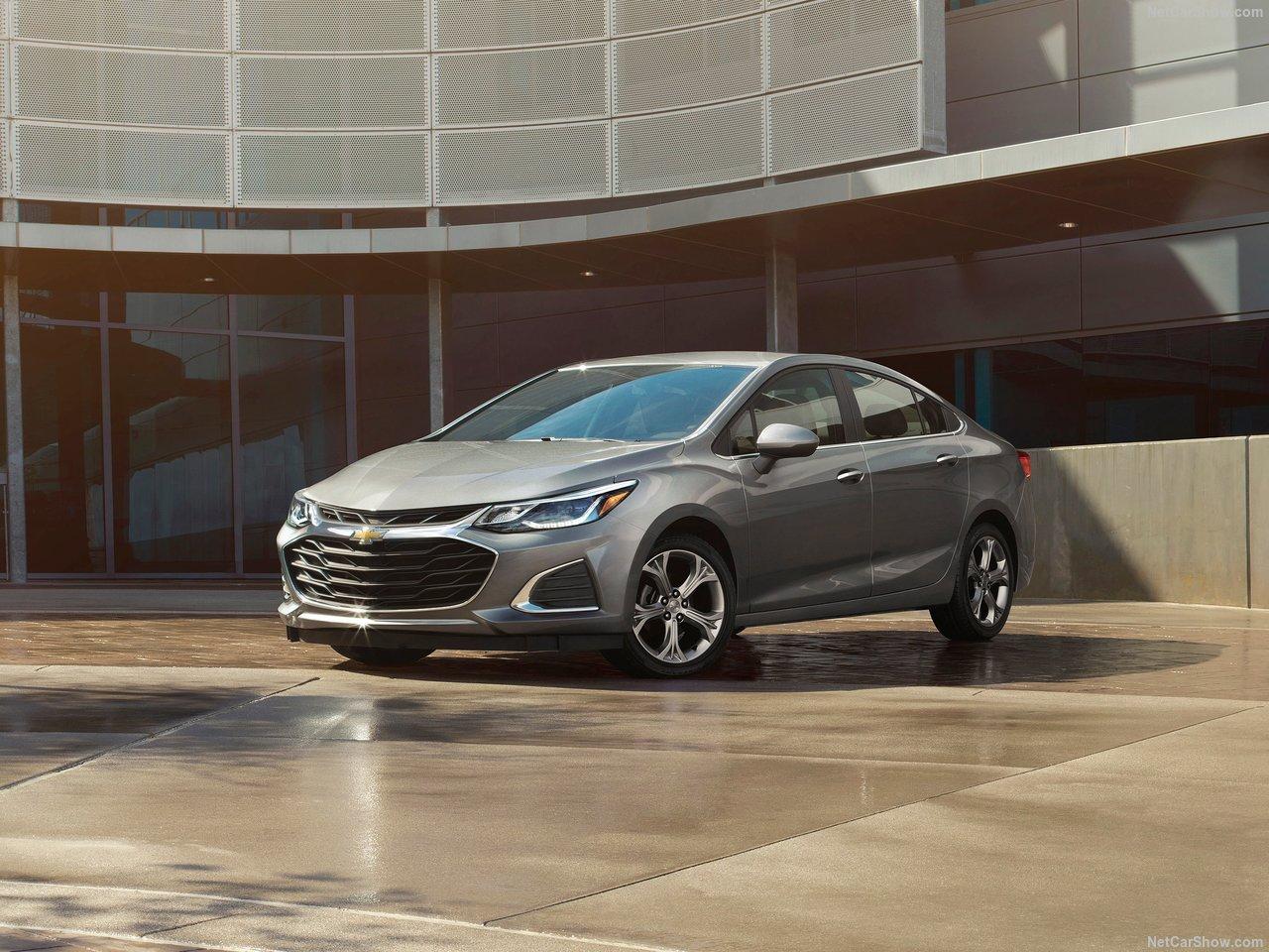 Chevrolet Cruze 2018 модельного года: цены, комплектации, фото и характеристики